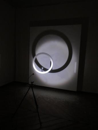 La_luz_vence_tinieblas_Alejandro_Botubol_EXPOARTEMADRID