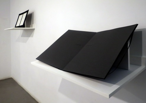 Vista de la exposición Tomorrow de Ayesha Jatoi en la galería Sabrina Amrani © Marina Fertré