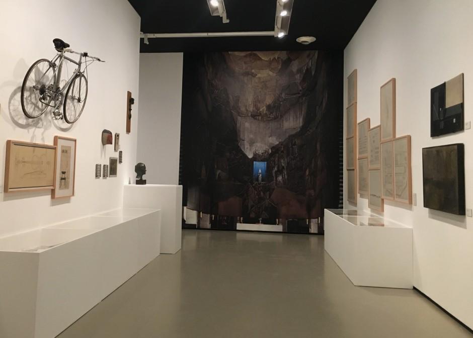 Vista de la exposición Sáenz de Oíza. Artes y Oficios © Marina Fertré
